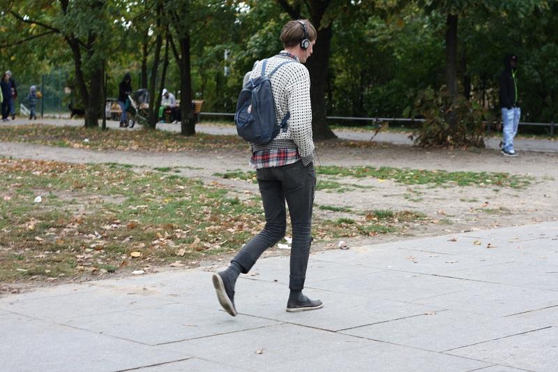einsamer hipster im görli